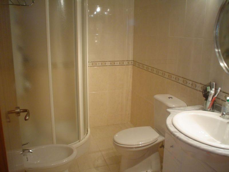 Cambio de plato de ducha por otro plato de ducha for Revestimiento para duchas