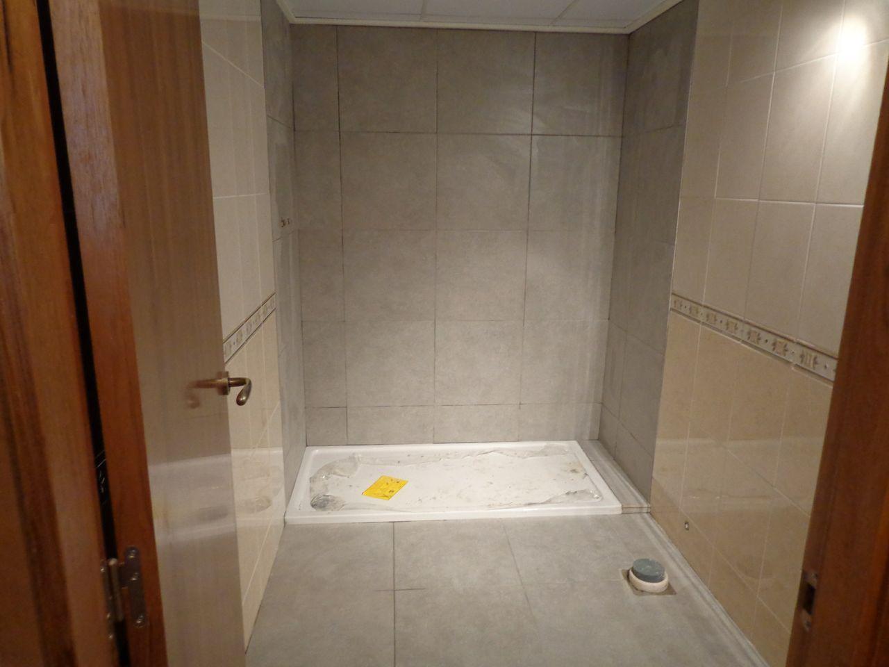 Cambio de plato de ducha por otro plato de ducha for Pintura para sanitarios