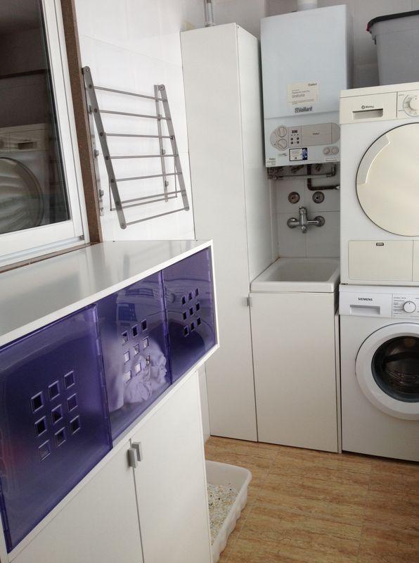 Diy organizar un cuarto de lavado for Mueble lavadora secadora ikea