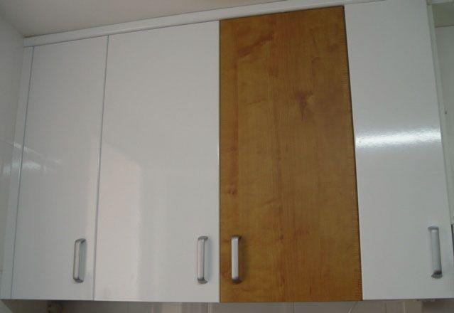 Bbb tunear y renovar con vinilo adhesivo for Papel pintado para puertas de armario
