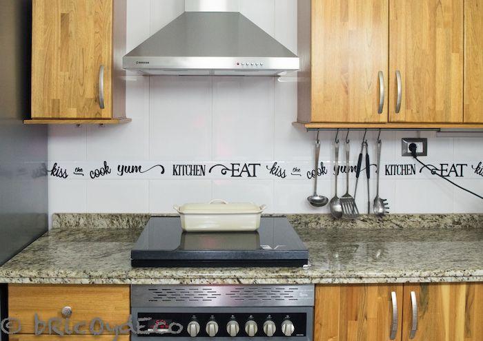 Haz tu propia cenefa de vinilo autoadhesivo for Cenefas para cocina