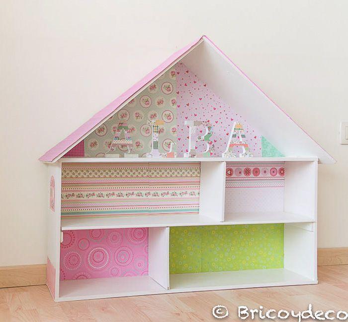 Casa de mu ecas hecha con una caja de madera reciclada for Decoracion de casas hechas a mano