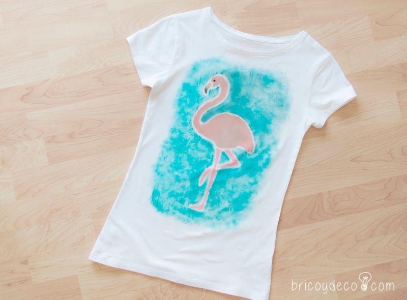 Cómo reciclar y personalizar una camiseta con stencil y pintura