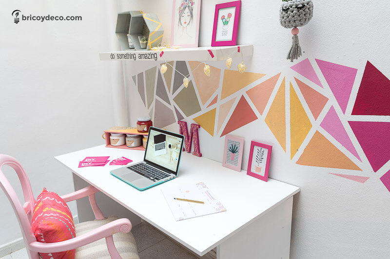 Consejos para decorar tu oficina en casa e incrementar for Como decorar una oficina pequena de trabajo